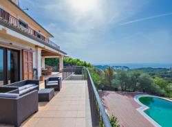Bei diesem Objekt handelt es sich um ein groszugig gestaltetes Anwesen mit atemberaubenen Blick auf die Bucht von Palma