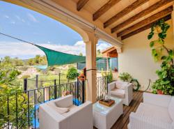 Dieses moderne Apartment mit Terrasse  Stellplatz und Pool befindet sich in Bonanova  Palma de Mallorca      Die Wohnflache von ca