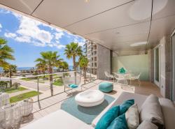 Dieser exklusive Luxus-Apartment-Komplex befindet sich in El Portixol  eine der begehrtesten Lagen von Palma de Mallorca  und geniest einen eindrucksvollen